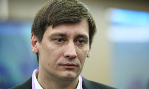 В квартире Дмитрия Гудкова нашли боевые патроны и снаряд