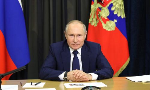 Путин призвал «нежадного мужика» из списка Forbes помочь многодетным
