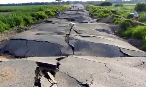Депутат нашел объяснение плохим дорогам в России