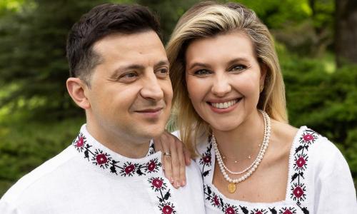 Елена Зеленская в образе учительницы покорила красотой на новых фото