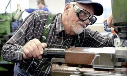 Правительство не поддержало индексацию пенсий работающим пенсионерам